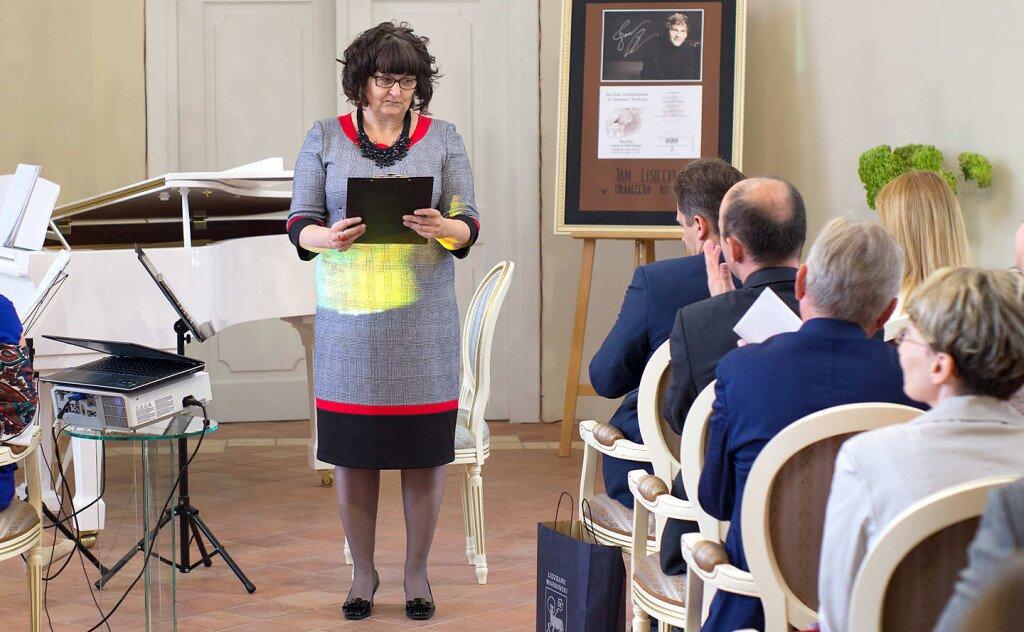 Dyrektor Oranżerii Kultury pani Anna Puszcz