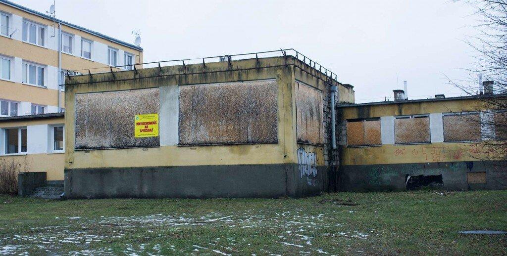 Budynek po byłej stołówce przy ul. Orneckiej 6A w Lidzbarku Warmińskim (stan z dnia 27 stycznia 2016r.)