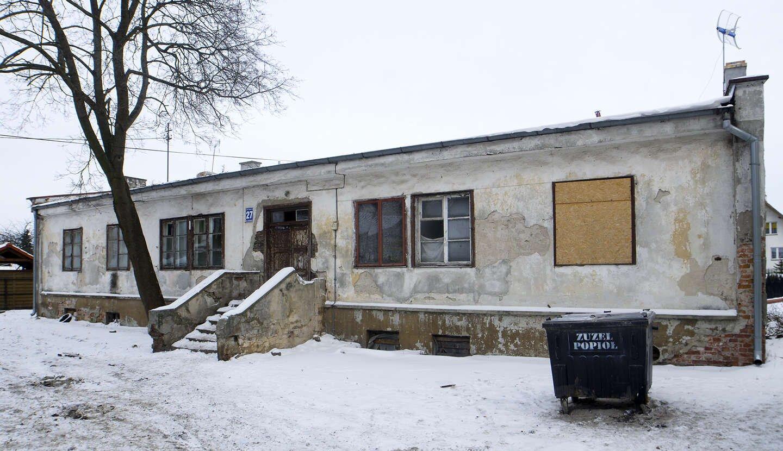 Budynek socjalny przy ul. Wyszyńskiego 27 w Lidzbarku Warmińskim (stan z 5 stycznia 2016r.)