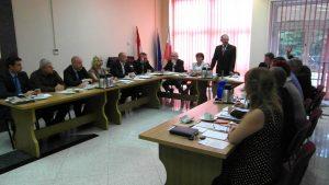 Moment głosowania Rady Miasta Lidzbark Warmiński w spawie rozebrania pomnika wdzięczności Armii Radzieckiej
