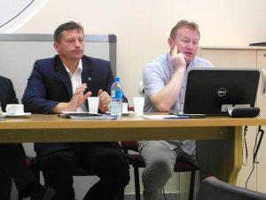 Posiedzenie komisji rady Miasta Lidzbark Warmiński. Od lewej Burmistrz Miasta, dr inż. Arch. Tomasz Ołdytowski
